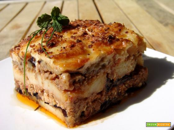 Moussaka: la ricetta di Spyros (sì, quello di Masterchef. Il primo)