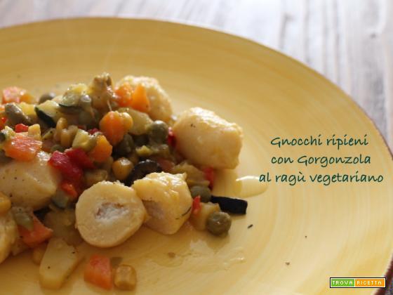 Giovedì vogliadignocchi 6: gnocchi ripieni con gorgonzola, al ragù vegetariano