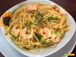 Spaghetti con zucchine e code di gambero