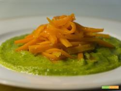 Spaghetti di carote con crema di zucchine