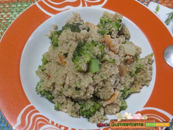 Cous cous integrale broccoletti e salmone
