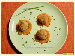 Bocconcini nonfritti di lupini con purè di carote al rosmarino