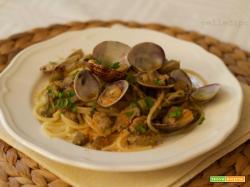 Spaghetti alle vongole e carciofi con bottarga
