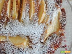 Torta di mele con farina integrale e nocciole