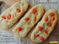 Pane con pomodorini e mozzarella