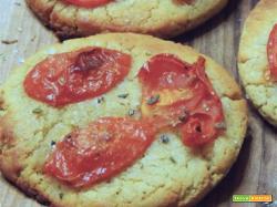 Focaccia di quinoa con pomodorini