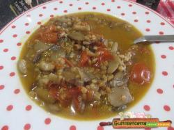 Zuppa di enkir ai funghi porcini