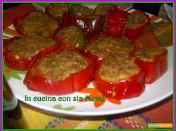 Peperoni ripieni con carne macinata e mortadella
