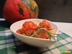 Polpette vegane di lupini, zucca e noci al sugo