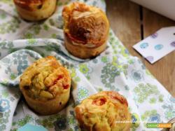 Muffin con zucchine, pomodorini e scamorza: picnic speciali