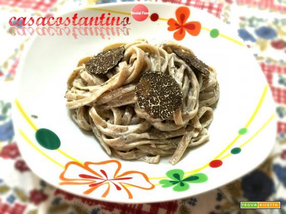 Linguine trafilate ai funghi porcini con panna e tartufo nero - Oggi cucina...Emanuele