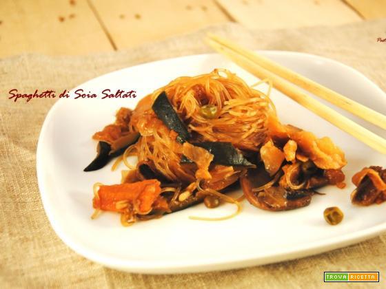 Spaghetti di Soia Saltati con Verdure
