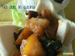 Cestini di pane con caponata di verdure-ricetta finger food