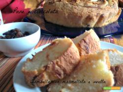 Ciambella con marmellata e uvetta