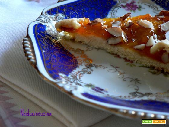 Crostata con marmellata e mandorle