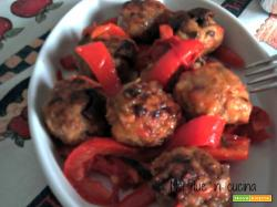 Polpettine di carne e funghi con peperoni