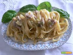 Tagliatelle salsiccia e zucchine | Noi due in cucina