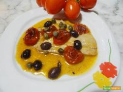 Platessa con pomodorini arrostiti