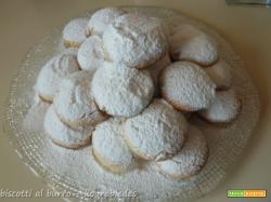 Kourabiedes, i biscotti al burro del Natale greco