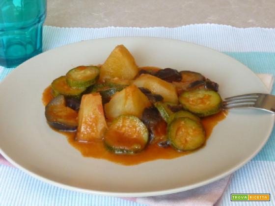 Patate, zucchine e melanzane in umido