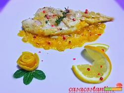 Merluzzo in crosta di mandorle su salsa agli agrumi