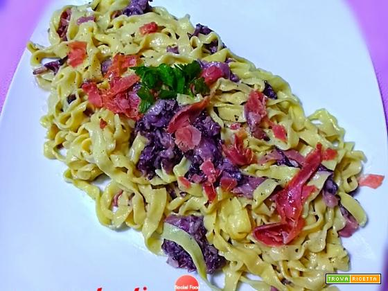 Tagliatelle fresche radicchio, gorgonzola e crudo di Parma