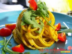 Spaghetti rigati con pesto di rucola