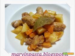 Spezzatino di patate e salsiccia