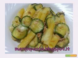 Pasta filante con tonno e zucchine