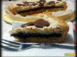 Crostata meringata al cocco con crema di nocciole