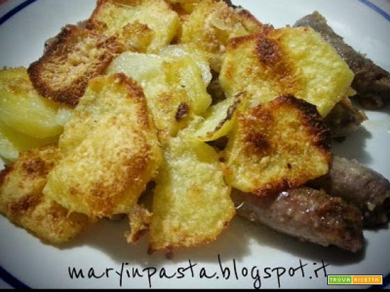 Salsiccia al forno con patate croccanti al rosmarino (N° 2)