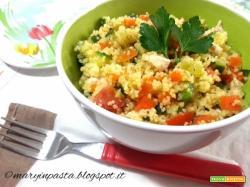 Insalata di cous cous con pollo e verdure