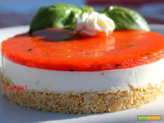 Mini cheseecake salata di gelee' di pomodori e mozzarella di bufala