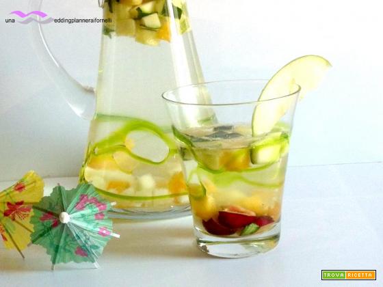 Acqua disintossicante alla frutta e cetriolo