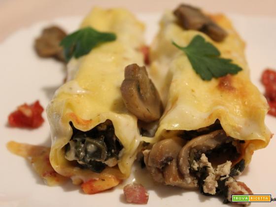 Cannelloni con coste, funghi e prosciutto