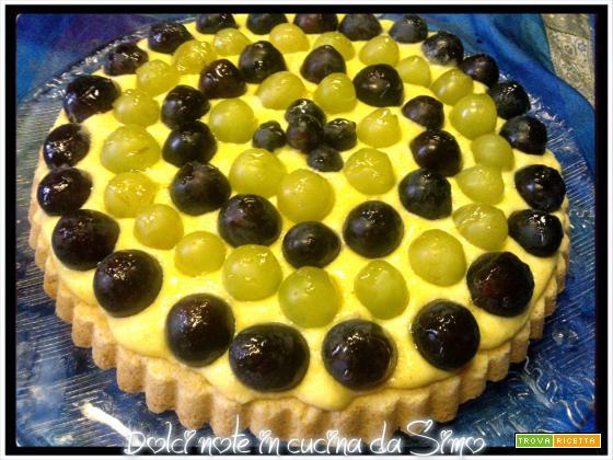 Crostata all'uva con crema pasticcera