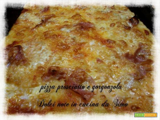 Pizza gorgonzola e prosciutto cotto