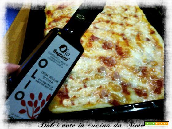 Pizza al prosciutto e doppia mozzarella