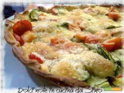 Torta rustica con zucchine e pomodorini al gratin