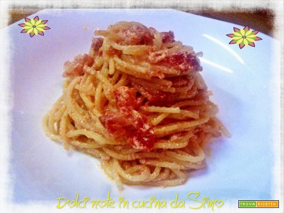 Spaghetti cremosi con ricotta e pancetta