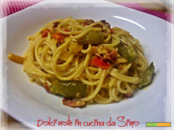 Spaghetti cremosi peperoni e speck