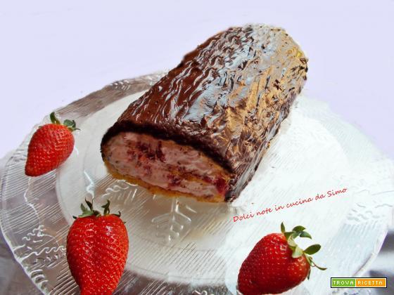 Rotolo al cioccolato panna e fragole