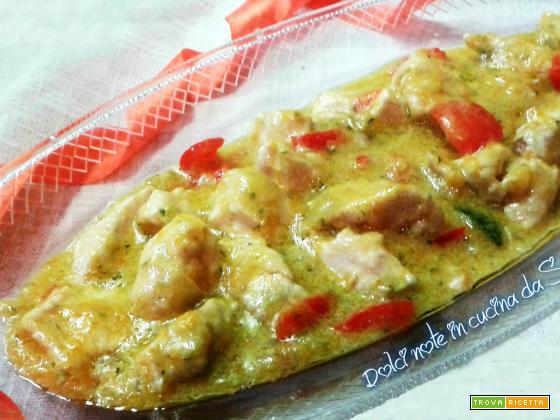 Straccetti di pollo cremosi al curry e verdure