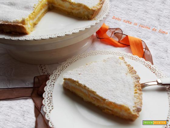 Crostata ripiena con ricotta e glassa all'arancia