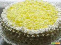 Torta mimosa alla crema mascarpone fruttata