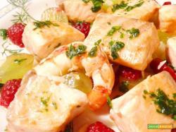 Piatto di Salmone alla griglia e frutta