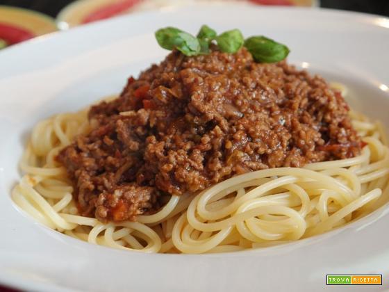 Spaghetti con ragù alla bolognese