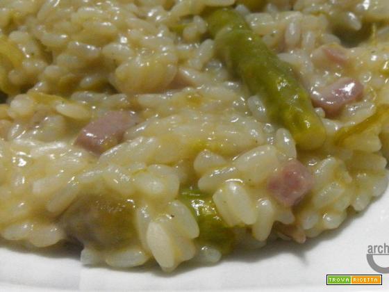 Risotto asparagi e speck, un piatto dagli antichi ingredienti