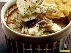 Crema di carciofi con chips di grana