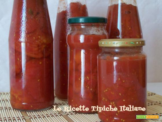 Pomodori pelati in casa